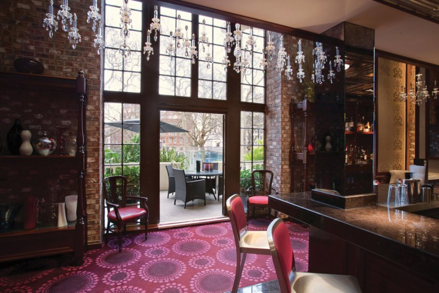 Icon Balcony Bar - 5-6 Leicester Square, London, WC2H 7NA ...
