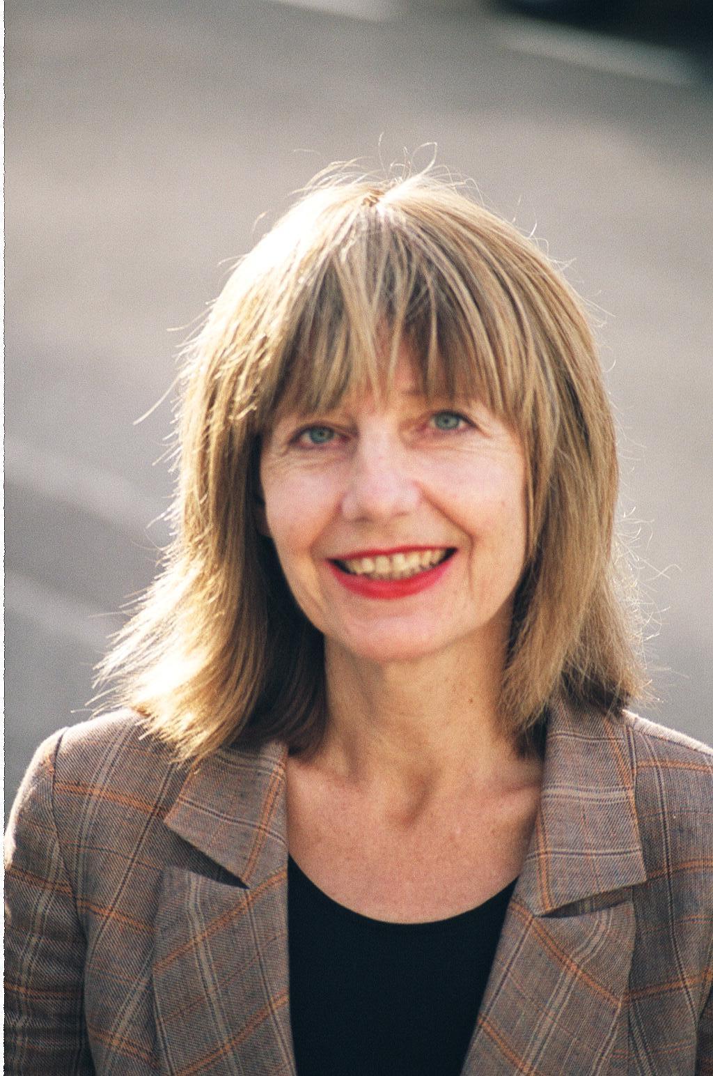 Carole Stone