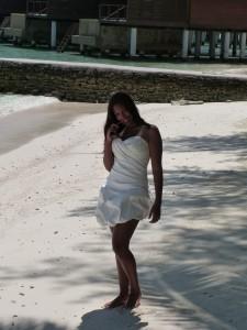 Leonnie short wed dress 1