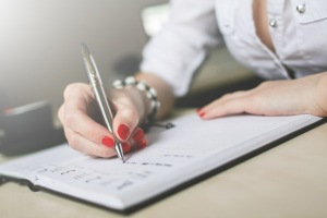 Leanne-woman-writing-diary-1024x682