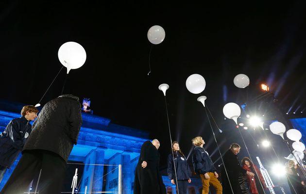 25 years-balloons_GERMANY-WALL-09-11-2014-20-11-47-578