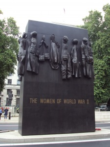 Women_of_World_War_II_memorial,_Whitehall_-_DSC08095