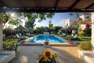 West-garden-Pool-from-Sofa-zone-1