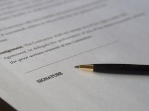 Pen on signature paper