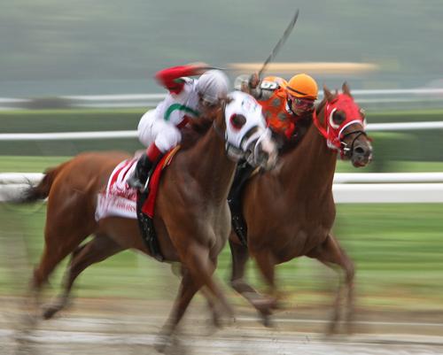 female-jockeys-riding-in-a-race