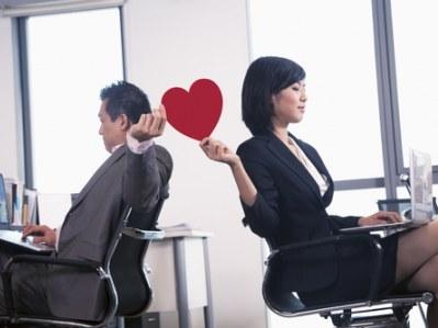office romance, love at work