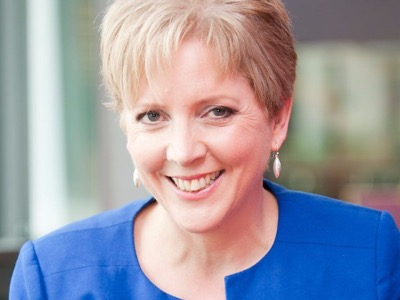 Carrie Gracie featured